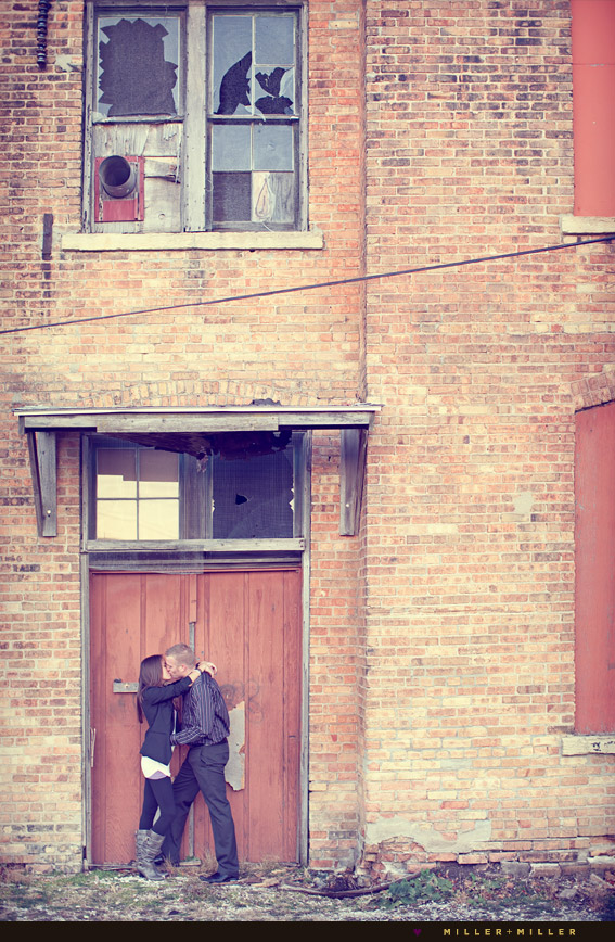 couple kissing portrait
