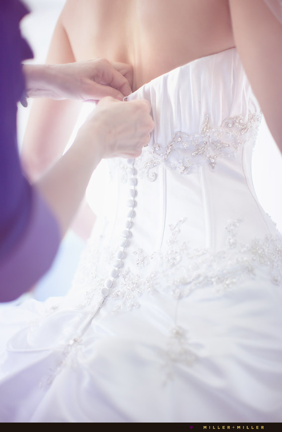 candid wedding photographs