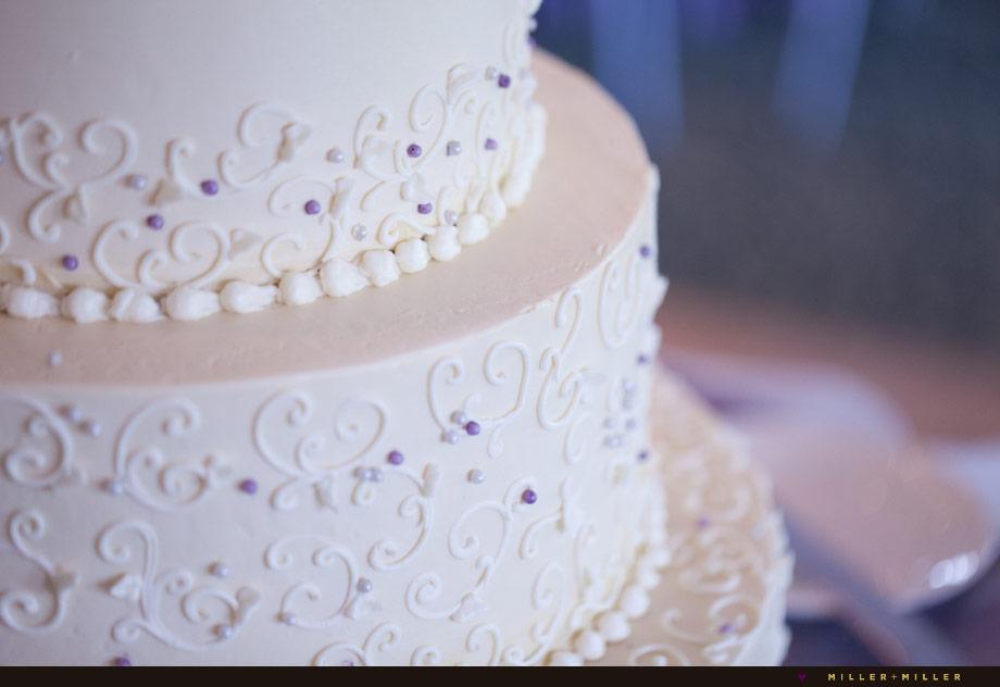 cake icing detail photo
