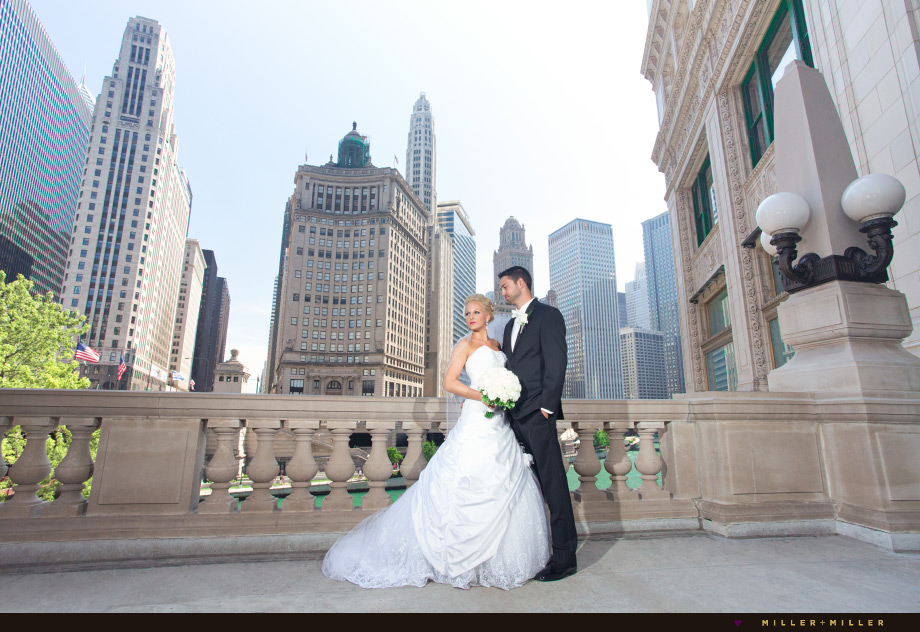 wedding photos chicago wrigley building