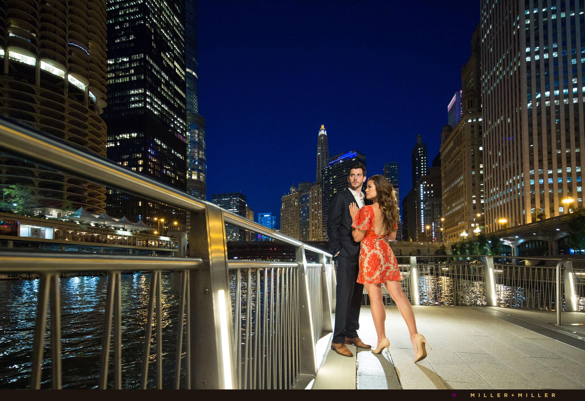 chicago-riverwalk-engagement-pictures