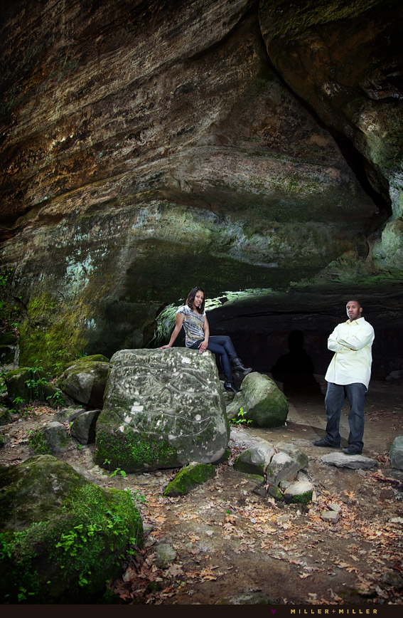 cave starved rock engagement photographer