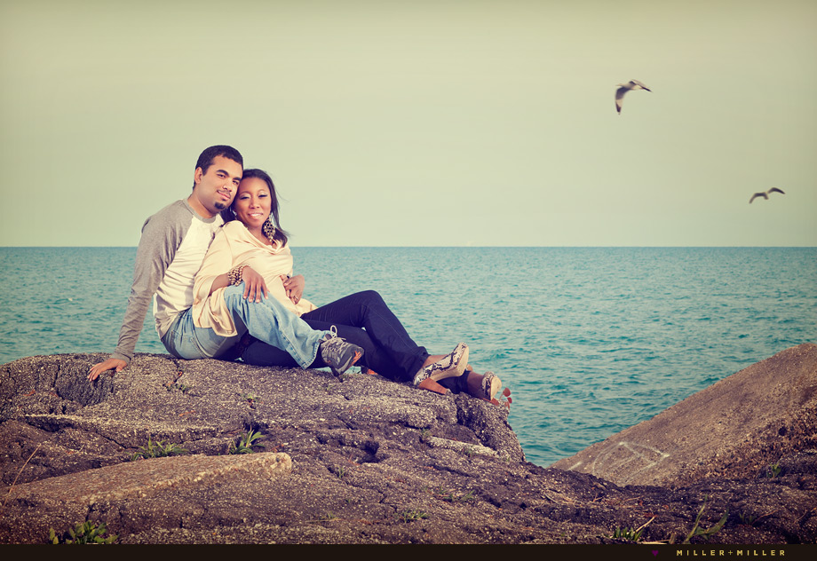 chicago modern engagement photographer lake michigan