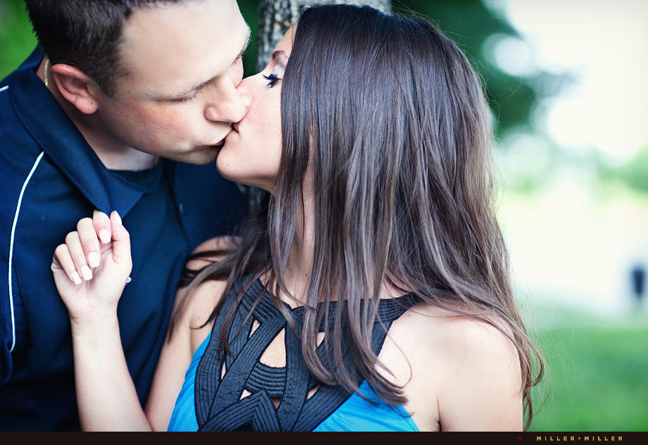 kiss dramatic engagement photographer chicago