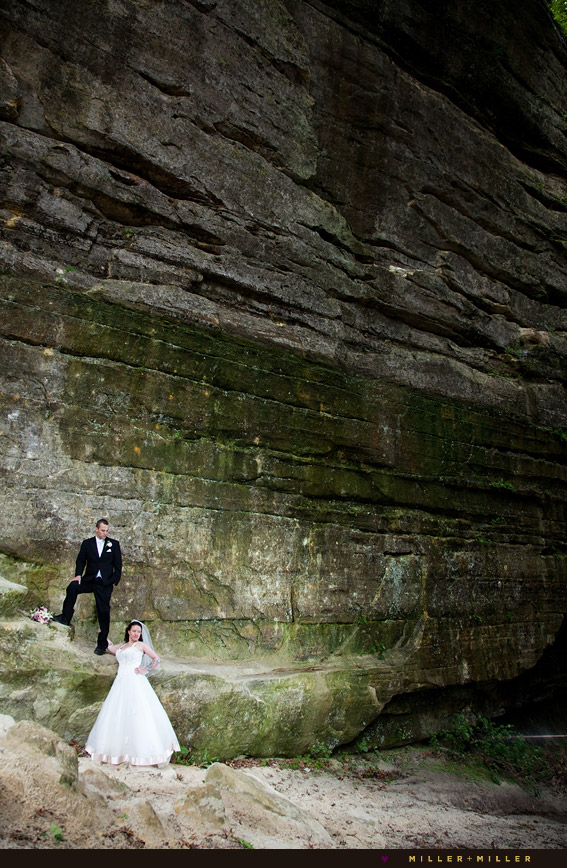 dramatic starved rock canyon wedding photography