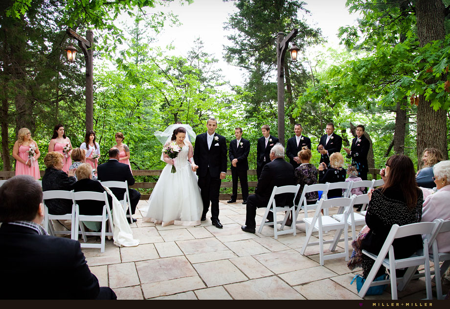starved rock wedding photography outdoor ceremony