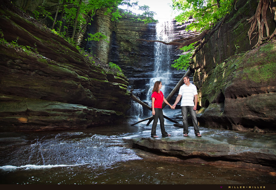waterfall engagement photo starved rock