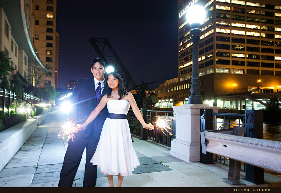 chicago kinzie bridge wedding sparklers