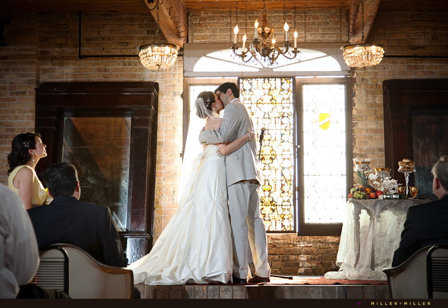 wedding kiss antique loft chicago