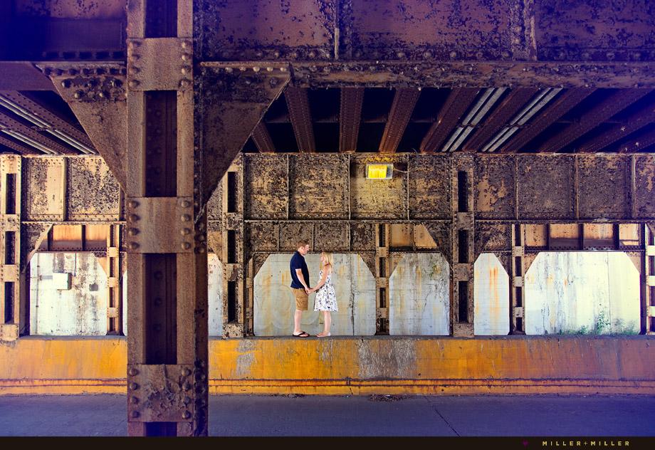 grungy chicago l bridge engagement