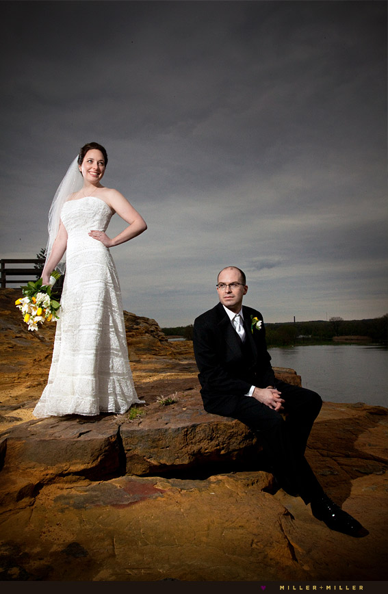wedding photographs starved rock cliff canyon