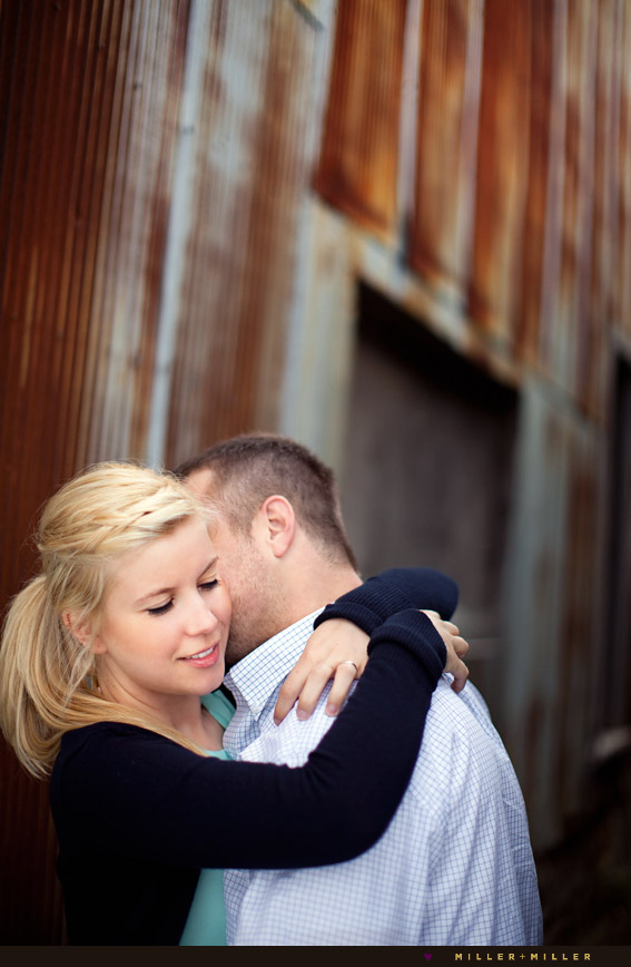illinois rusty barn couple portraits