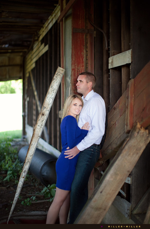 chic photography in barn
