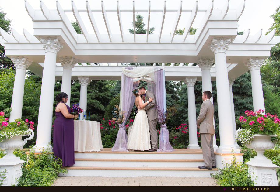 joliet mansion outdoor wedding