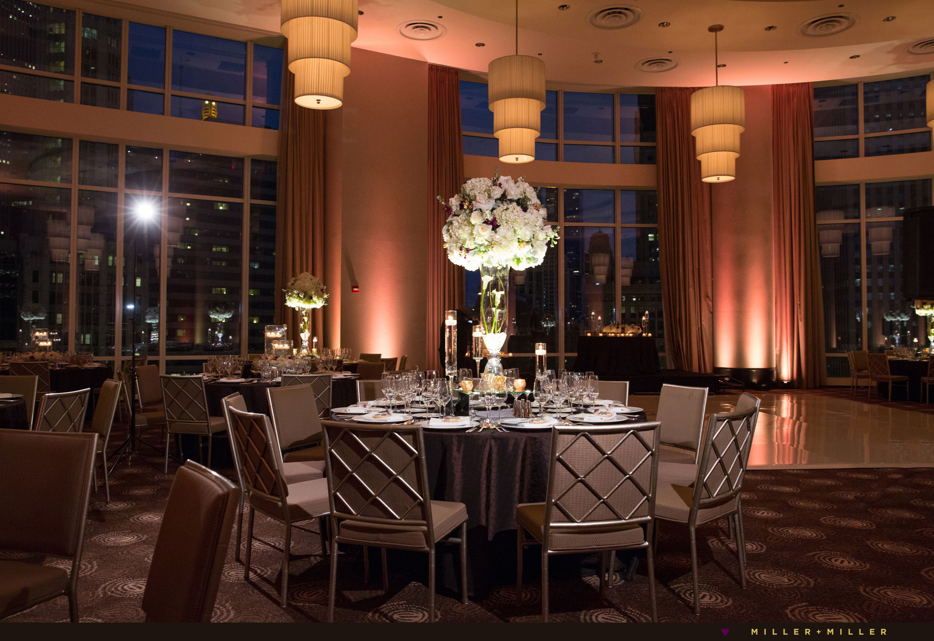 photos luxury Chicago Trump hotel weddings