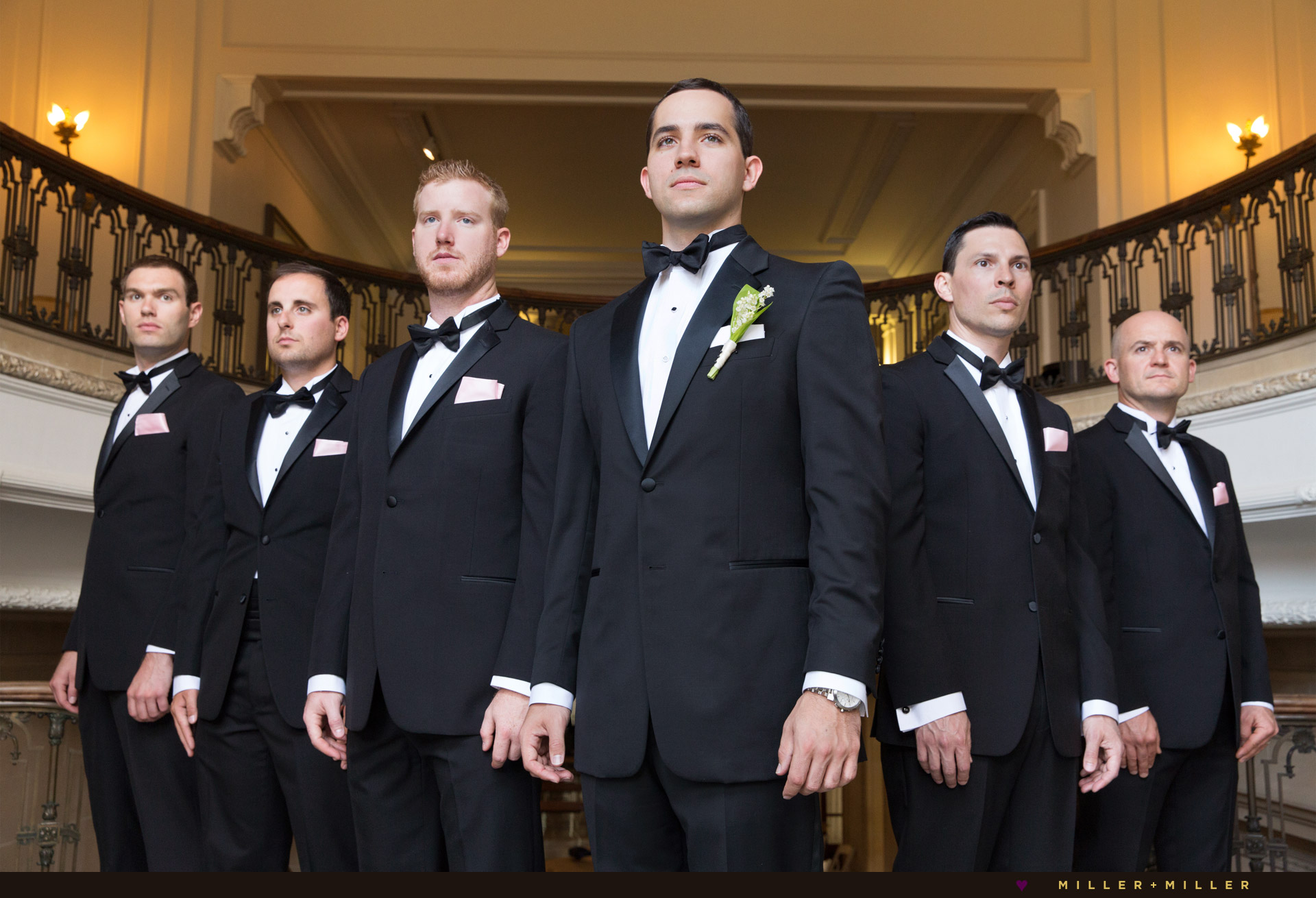 groom-groomsmen-mansion